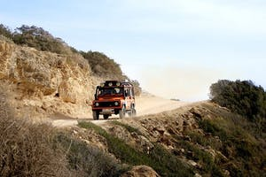 Jeep Safari - Off Road (Roof Closed/Air Con)